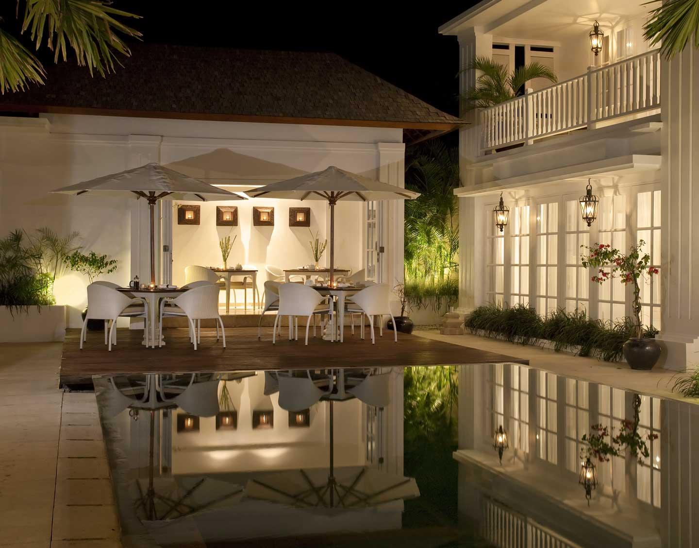 pool-side-at-night
