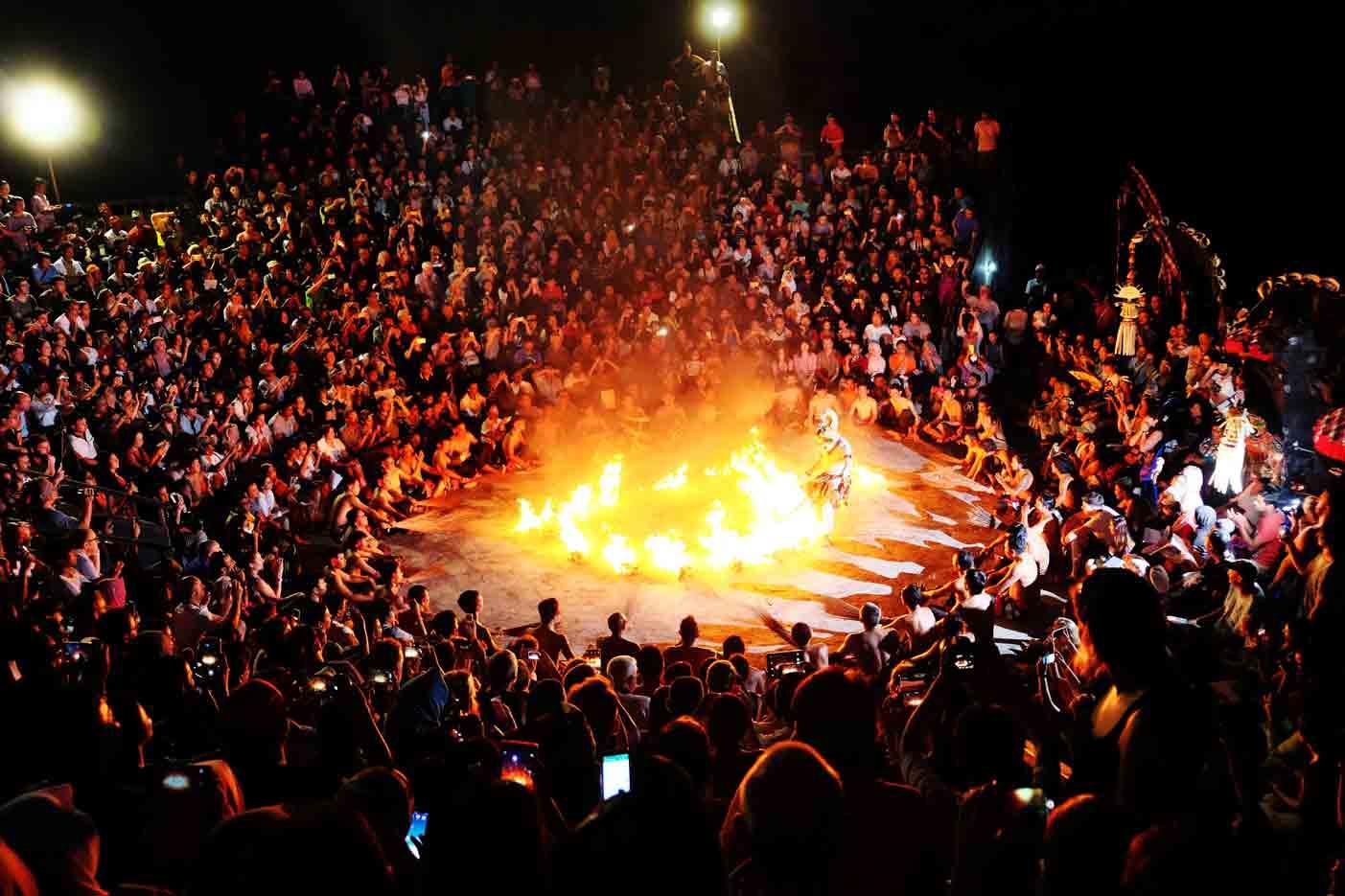 Hasil gambar untuk Kecak Fire Dance